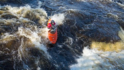 Wildwater Canoeing koskenlasku